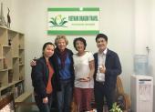 Voyageurs chez agence de voyage Vietnam Dragon Travel (15)