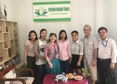 Voyageurs chez agence de voyage Vietnam Dragon Travel (4)