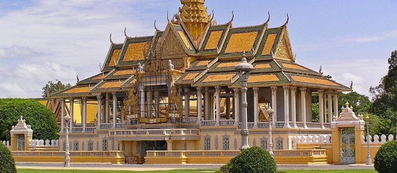 royal-palace-cambodge