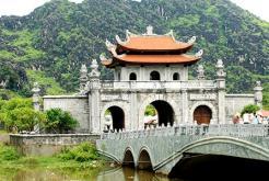Circuit visite Phat Diem Hoa Lu Van Long Ninh binh 1 jour