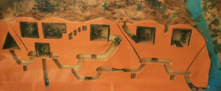 Visite des célèbres tunnels de Cu Chi