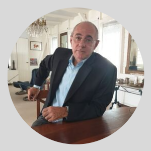 M Eric Diener Responsable commercial - Agence francophone vietnam