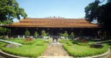 Guide francophone prive Hue Vietnam