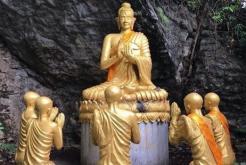 Voyage au Laos: Les croyances et religions au Laos